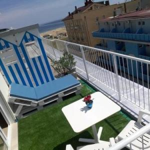 Book Now Hotel Haarlem (Rimini, Italy). Rooms Available for all budgets. Situated in Rimini in the Emilia-Romagna Region 100 metres from Rimini/Miramare Hotel Haarlem features a sun terrace and views of the sea. Guests can enjoy the on-site restaur