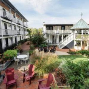 Hotels near Greenfield Lake Amphitheater - ARRIVE Wilmington