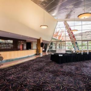Hotels near Alice Springs Convention Centre - Crowne Plaza Alice Springs Lasseters an IHG Hotel