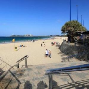 Sunshine Coast Stadium Hotels - Caribbean Resort
