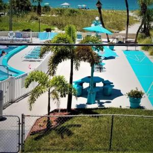 Johns Pass Beach Motel