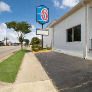 Hotels near Claflin University - Motel 6-Orangeburg SC