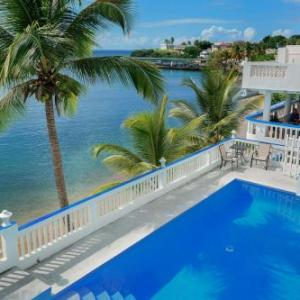 Book Now The Wave Hotel (Vieques, United States). Rooms Available for all budgets. Featuring free WiFi an outdoor pool and a year-round outdoor pool The Wave Hotel offers accommodation in Vieques. The hotel has a sun terrace and views of the sea and guests c