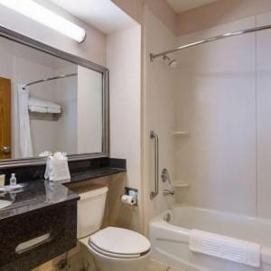 Fayetteville Town Center Hotels - Quality Suites