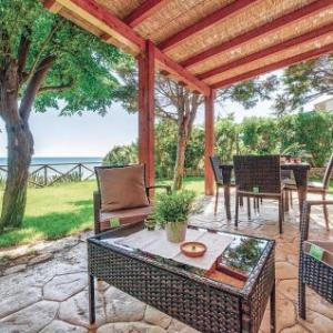 Book Now 1 Via Umbria - Cipollazzo (Porto Palo, Italy). Rooms Available for all budgets. 1 Via Umbria - Cipollazzo is a holiday home set in Porto Palo in the Sicily Region and is 49 km from Marsala. The property is 17 km from Sciacca and boasts views of the sea. F