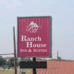 Book Now Ranch House Inn & Suites (Temple, United States). Rooms Available for all budgets. Featuring free WiFi Ranch House Inn & Suites offers accommodation in Temple.Rooms have a private bathroom. A flat-screen TV with cable channels is offered.You will find a 24-h