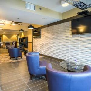 Hotels near Level 2 Entertainment Complex - Holiday Inn Express Memphis East I-240