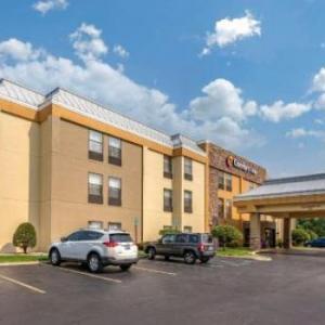 Old Dog Tavern Kalamazoo Hotels - Comfort Inn Wings Stadium