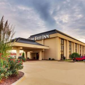 Hotels near Show Me Center - Pear Tree Inn Cape Girardeau West
