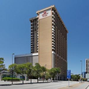 Naomi Bruton Theatre Hotels - Crowne Plaza Hotel Dallas Downtown