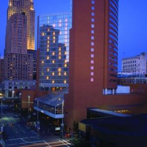 Smale Riverfront Park Hotels - Hyatt Regency Cincinnati