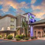Holiday Inn Express and Suites Phoenix Tempe -University