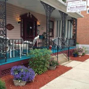 Idlewild and Soakzone Hotels - Campbell House B&B
