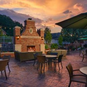 Hotels near Ohio University - Ohio University Inn And Conference Center