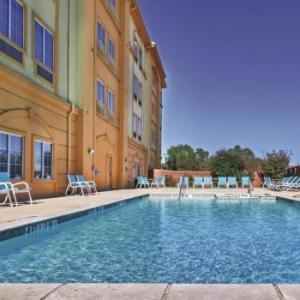 Hotels near Choctaw Casino Resort Grant - La Quinta Inn & Suites Paris