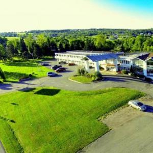 Magnetic Hill Concert Site Hotels - Hotel Moncton