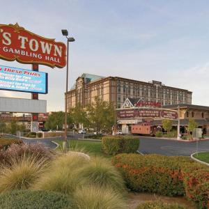 Eastside Cannery Hotels - Sam's Town Hotel And Gambling Hall