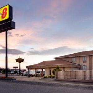Hotels near Town Toyota Center - Super 8 By Wyndham Wenatchee