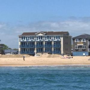 Hotels near Paddy's on Misquamicut Beach - Misquamicut Beach Front Inn