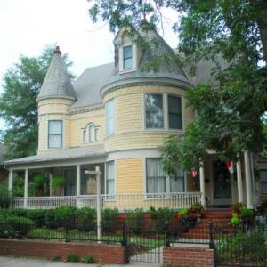 C.W. Worth House Bed and Breakfast