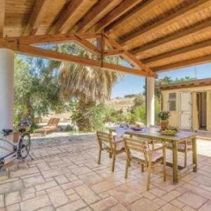 Book Now Casa Vittorio Emanuele 1 (Porto Palo, Italy). Rooms Available for all budgets. Set 48 km from Marsala and 18 km from Sciacca Casa Vittorio Emanuele 1 offers accommodation in Porto Palo. Casa Vittorio Emanuele 1 boasts views of the sea and is 29 km from M
