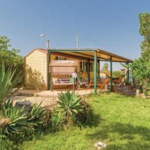 Book Now Casetta Paradiso (Porto Palo, Italy). Rooms Available for all budgets. Casetta Paradiso offers accommodation in Porto Palo 48 km from Marsala and 18 km from Sciacca. The property is 50 km from Castellammare del Golfo and boasts views of the sea.