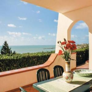 Book Now La Casa del Sole (Porto Palo, Italy). Rooms Available for all budgets. La Casa del Sole offers accommodation in Porto Palo 15 km from Sciacca. It provides free private parking.The unit equipped with a kitchenette with a fridge and stovetop. A TV