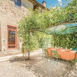 Book Now La Stalla Montespertoli (San Pancrazio, Italy). Rooms Available for all budgets. La Stalla Montespertoli is a holiday home located in San Pancrazio 19 km from Florence. The property is 38 km from Siena and free private parking is provided.A dishwasher a mi