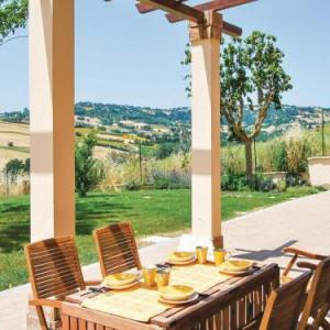 Book Now Tramonto (Orciano di Pesaro, Italy). Rooms Available for all budgets. Tramonto offers accommodation in Orciano di Pesaro 46 km from Riccione. Guests benefit from free WiFi and private parking available on site.The kitchenette is fitted with a mi
