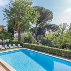 Book Now Villa Castelli Romani (Genzano di Roma, Italy). Rooms Available for all budgets. Set in Genzano di Roma this holiday home features free WiFi. The unit is 29 km from Rome. Free private parking is available on site.The kitchen is fitted with a dishwasher a m