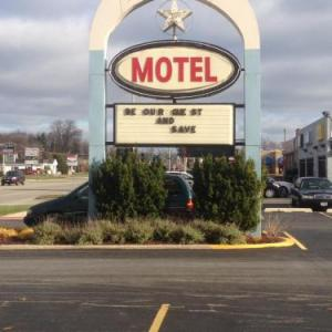 Pfeiffer Hall Hotels - Stardust Motel