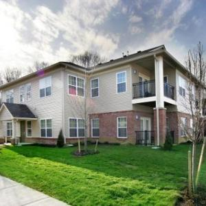 Hotels near Columbus North High School - Charwood Suites