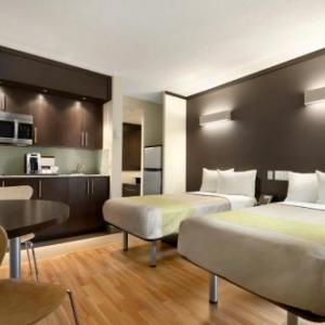 Toronto Western Hospital Hotels - Studio 6 Downtown Toronto