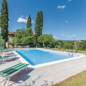 Book Now Ely (Castelfranco di Sopra, Italy). Rooms Available for all budgets. Set in Castelfranco di Sopra in the Tuscany Region this holiday home is 31 km from Florence. It provides free private parking.The kitchenette is equipped with a dishwasher and