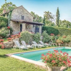Book Now Vista San Lorenzo (Ampinana, Italy). Rooms Available for all budgets. Vista San Lorenzo is a holiday home situated in Ampinana in the Tuscany Region and is 26 km from Florence. The property is 33 km from Prato and free private parking is offered