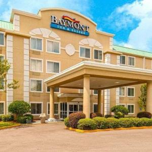 Hotels near James Lynn Cartlidge Forrest County Multi Purpose Center - Baymont Inn & Suites Hattiesburg
