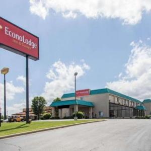 Hotels near Downstream Casino - Econo Lodge Inn & Suites Joplin