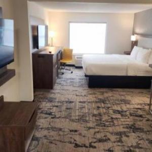 La Quinta Inn & Suites Milwaukee South West New Berlin