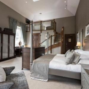 Elgin Academy Hotels - The Station Hotel