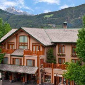 The Banff Centre Hotels - Brewsters Mountain Lodge
