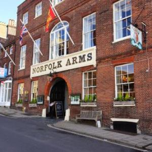 Hotels near Arundel Castle - Norfolk Arms Hotel
