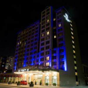Hotels near Budweiser Gardens - StationPark All Suite Hotel