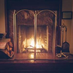 Hotels near Alix Goolden Performance Hall - Bedford Regency Hotel