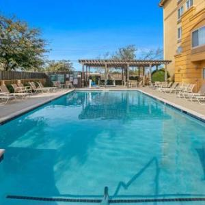 La Quinta Inn And Suites Dfw Airport South/irving