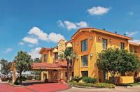 La Quinta Inn San Antonio Sea World/Ingram Park Image