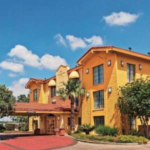 La Quinta Inn San Antonio Sea World/ingram Park