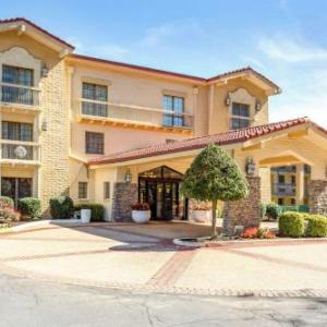 Hotels near U.S. National Whitewater Center - Quality Inn & Suites Charlotte Airport