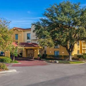 Byron P. Steele II High School Hotels - La Quinta Inn San Antonio I-35n At Toepperwein