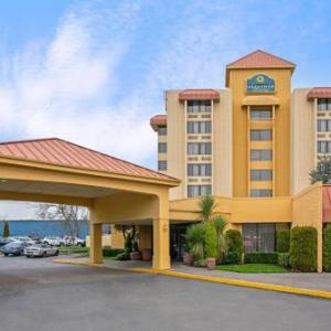 America's Car Museum Hotels - La Quinta Inn & Suites Tacoma Seattle