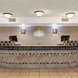 Hotels near Berger Performing Arts Center - Days Inn Tucson City Center
